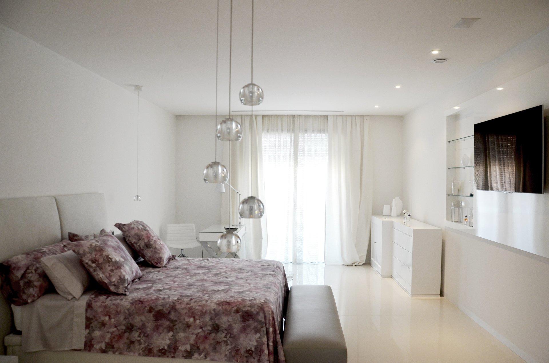 Estancias de diseño en vivienda unifamiliar moderna en Almeria. Arquitectura moderna en Almeria. Interiorismo Almeria.