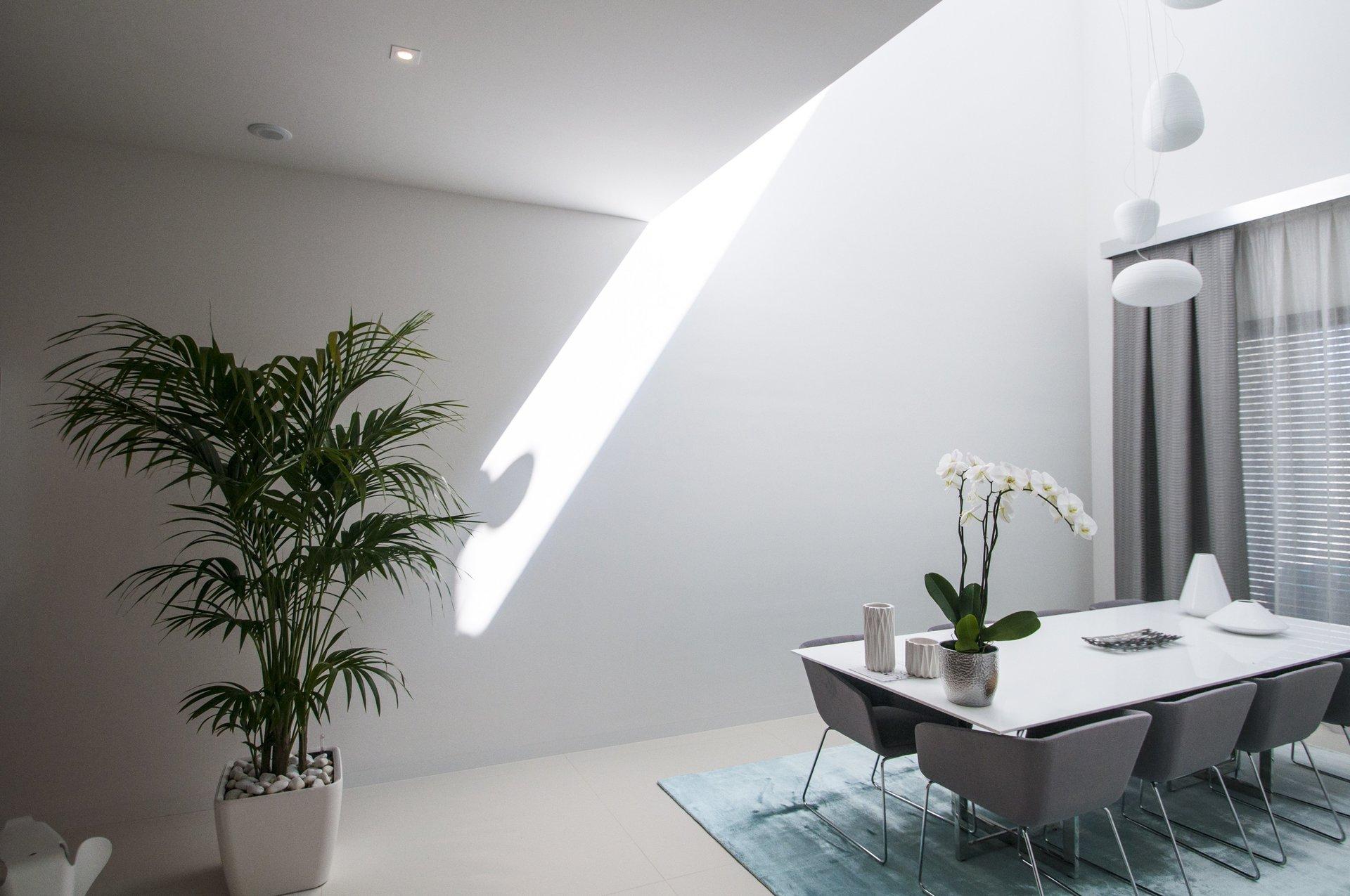 Comedor de diseño en vivienda unifamiliar moderna en Almeria. Arquitectura moderna en Almeria. Interiorismo Almeria.
