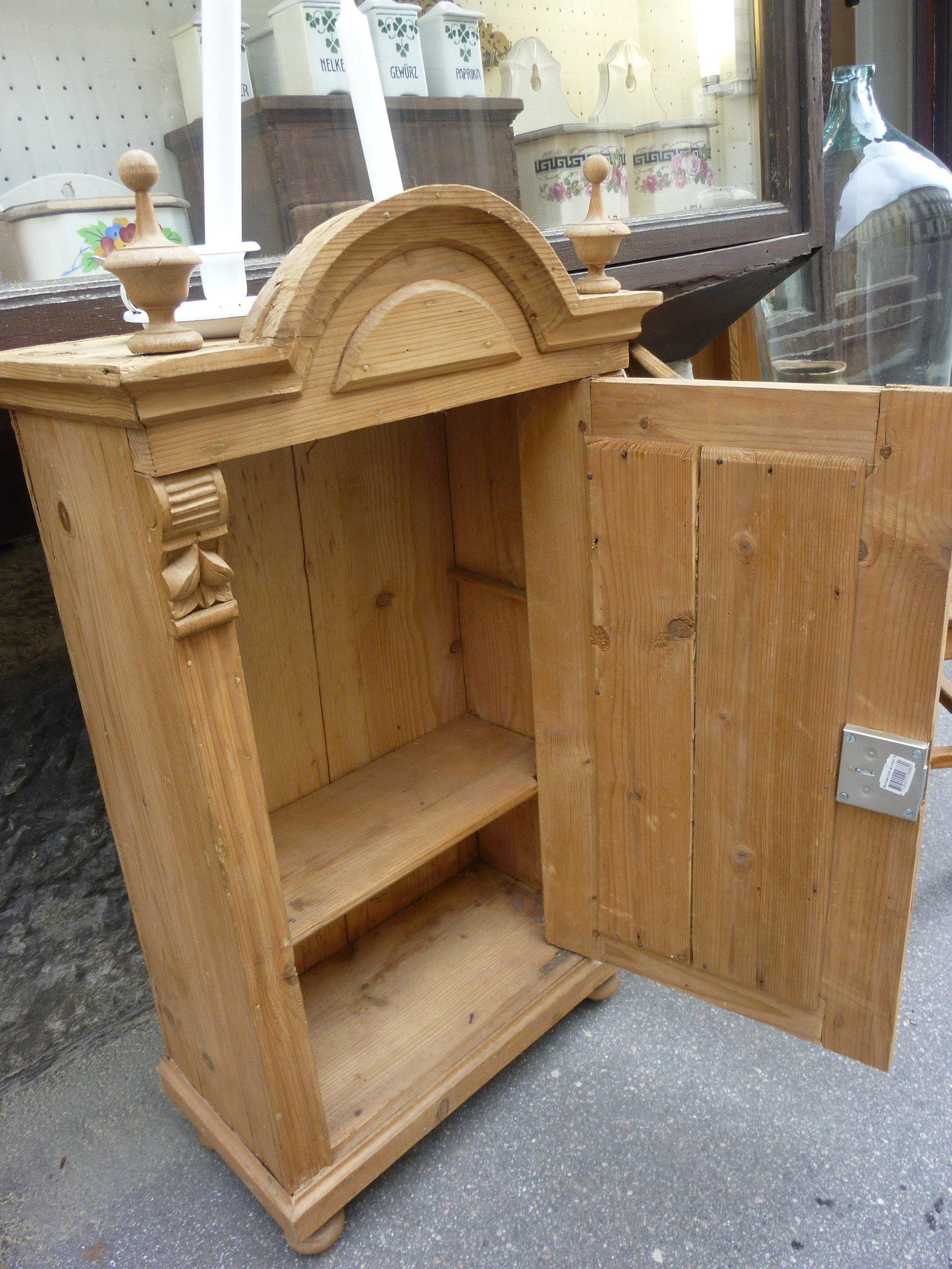 Antike Weichholzmöbel Bauernmöbel