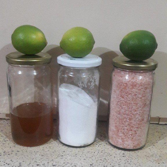 Agua con bicarbonato sal limon y miel