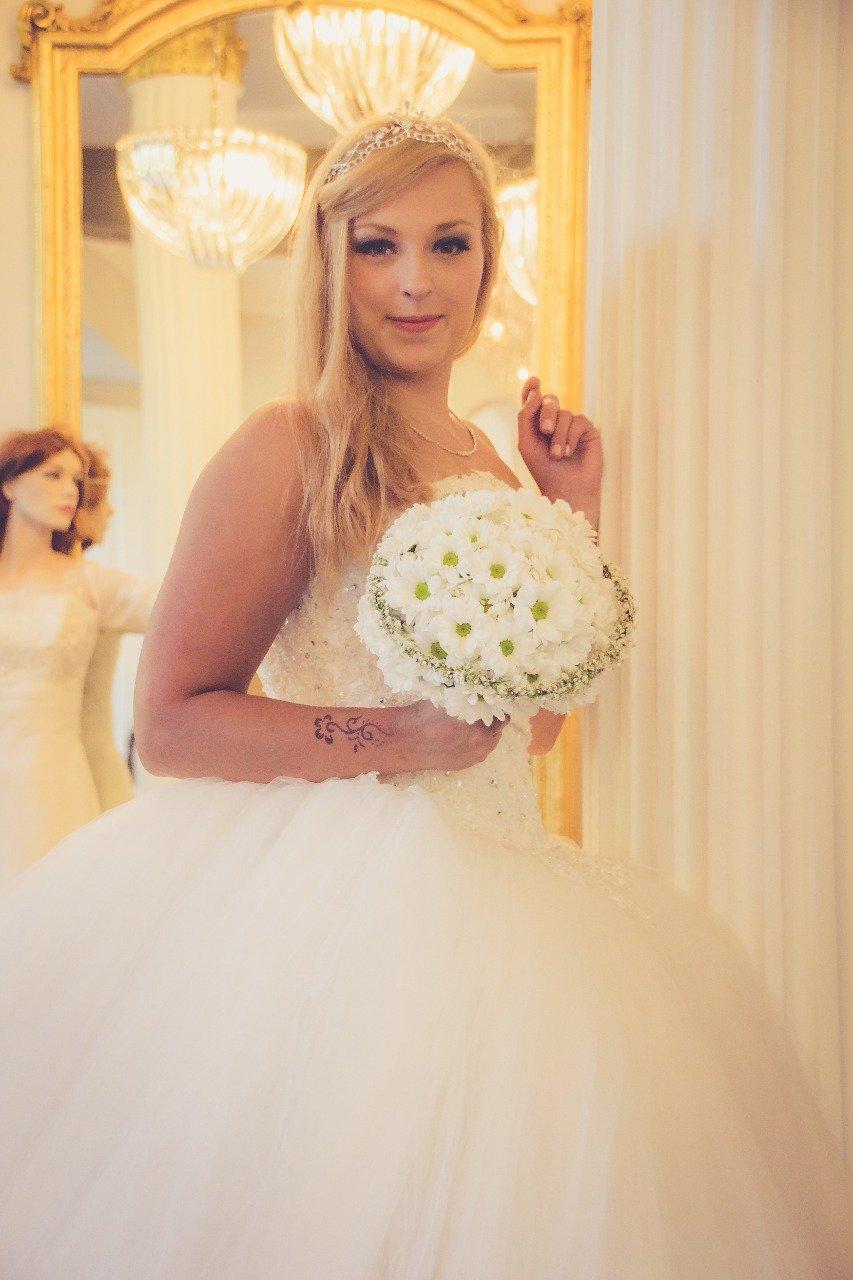 Maja\'s Brautmoden - Hochzeitskleider & Abendmode - Vlotho Bad ...