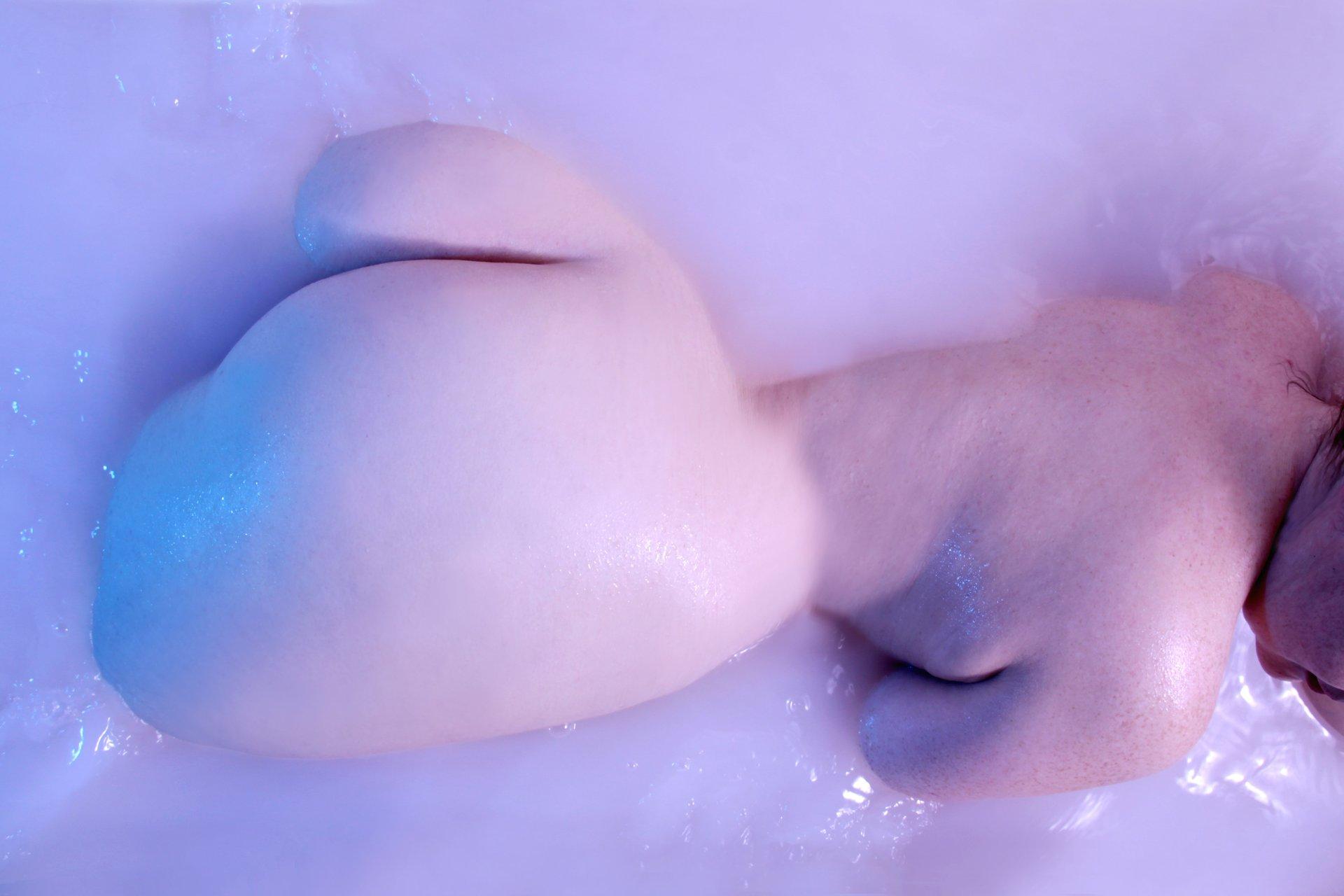 mollig ist sexy Aktfotos, Aktfotografie, Akt, Aktfotograf, Fotostudio, Fototermin, Eschau, Frankfurt, Würzburg, Miltenberg, Aschaffenburg, Darmstadt, Fulda