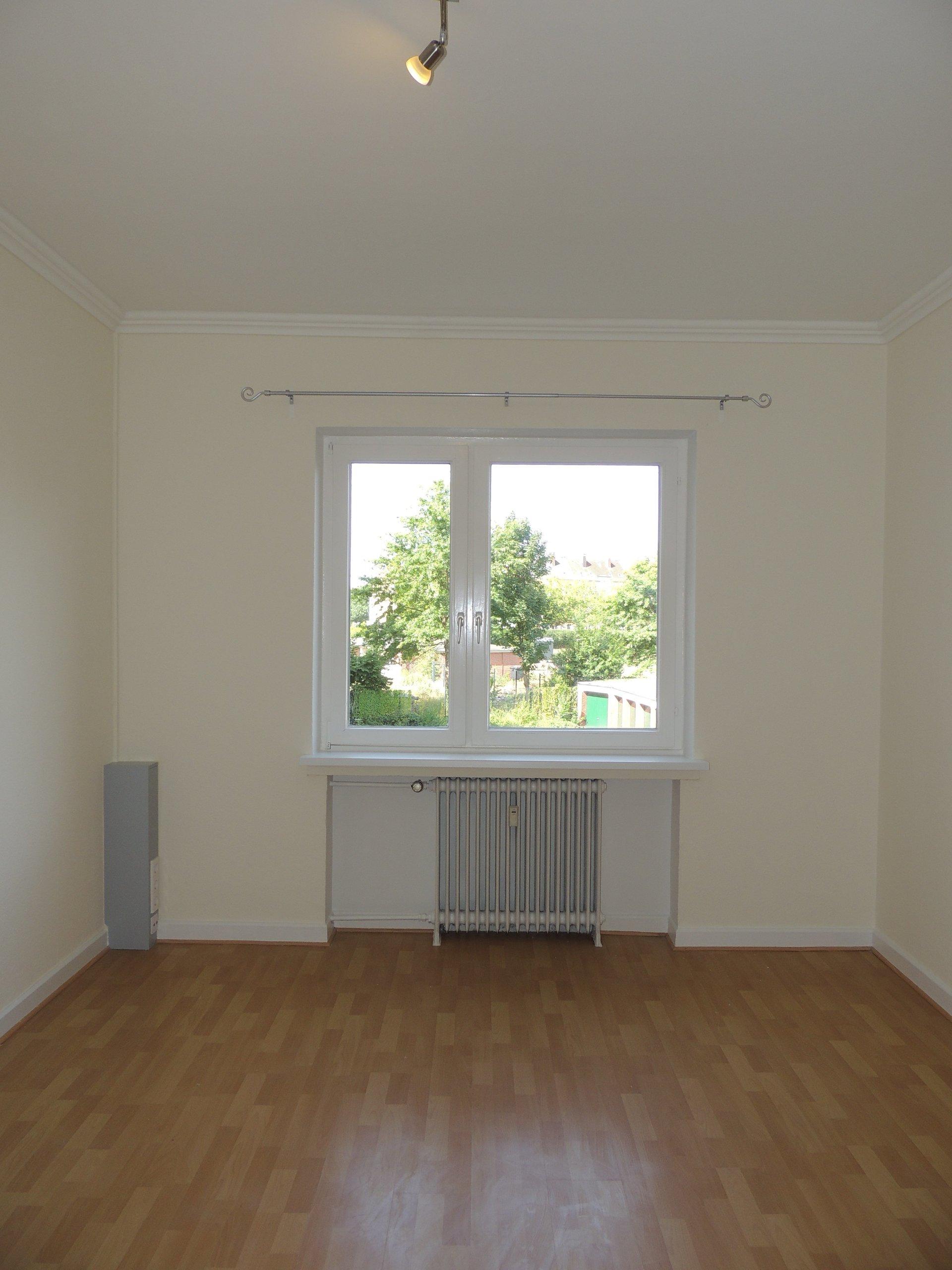 2 zkb traumhafte altbauwohnung wohnen. Black Bedroom Furniture Sets. Home Design Ideas