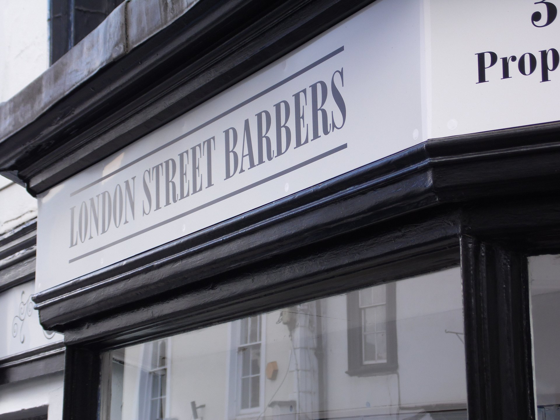Retail signage - London Street Barbers - Oxford and Swindon