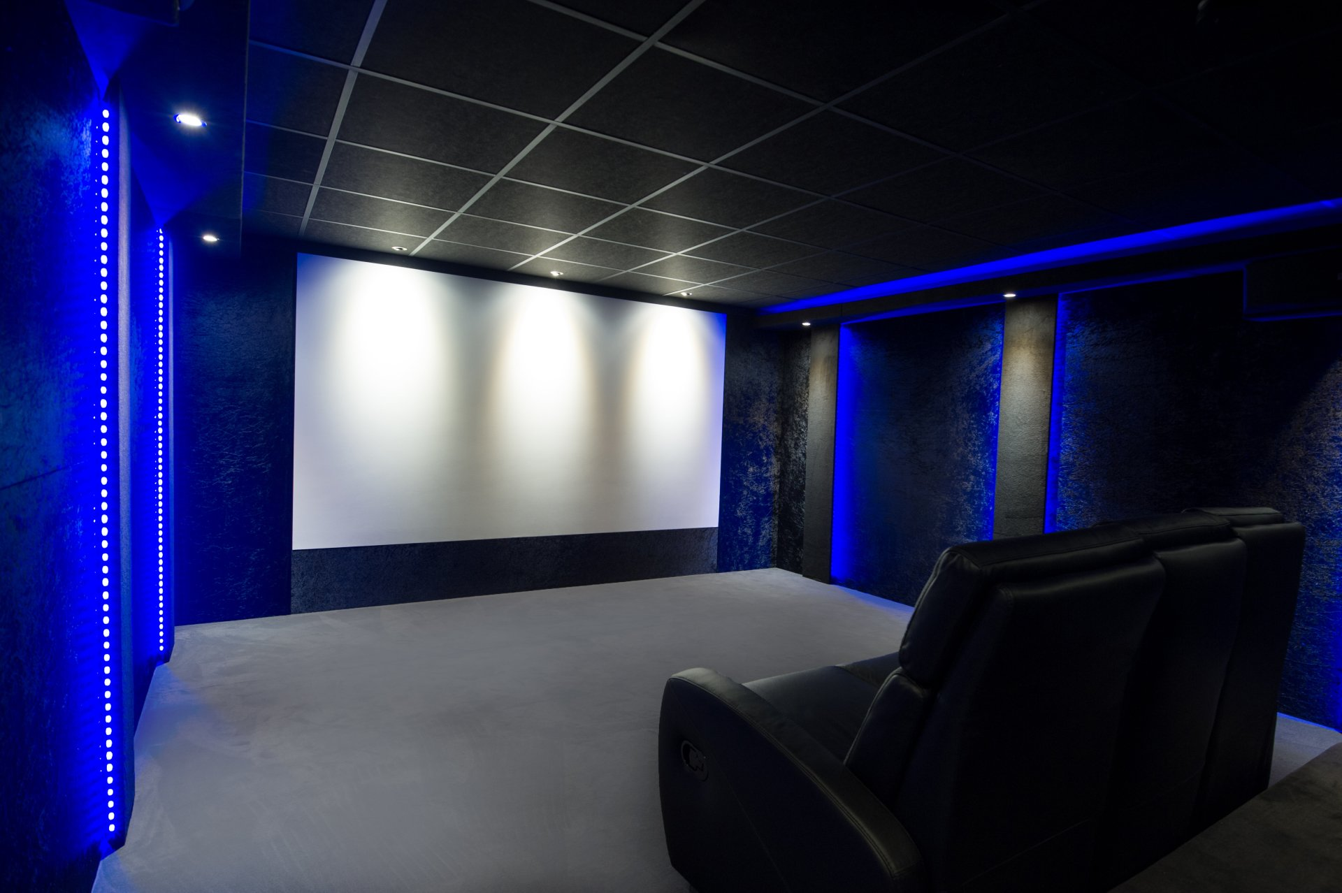 cinema chez soi le cinma with cinema chez soi simple le homecinma na plus de secret pour nous. Black Bedroom Furniture Sets. Home Design Ideas