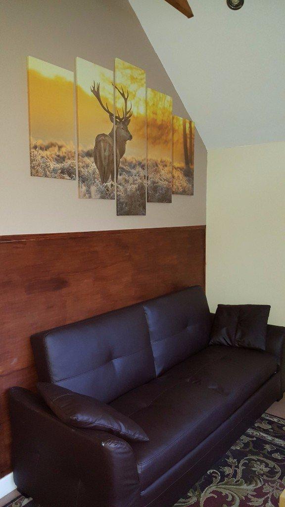 Burnside Suite Lounge Area