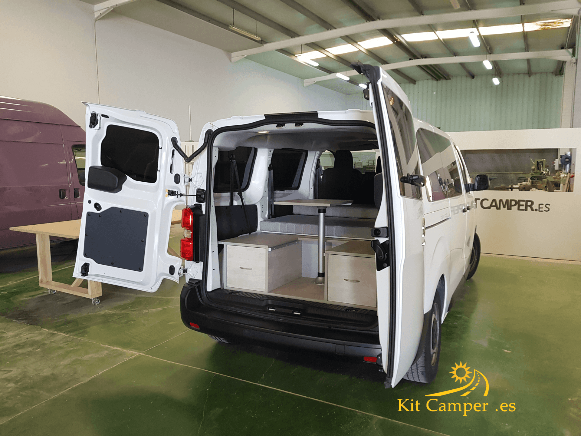 mueble camper para citroen jumpy kit camper para citroen. Black Bedroom Furniture Sets. Home Design Ideas