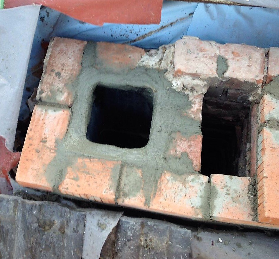 Kamin aufmauern Schornstein Vollmauersteile Kanalmauersteine Dachdecker Kaminbauer Schornsteinbauer Kamingerüst