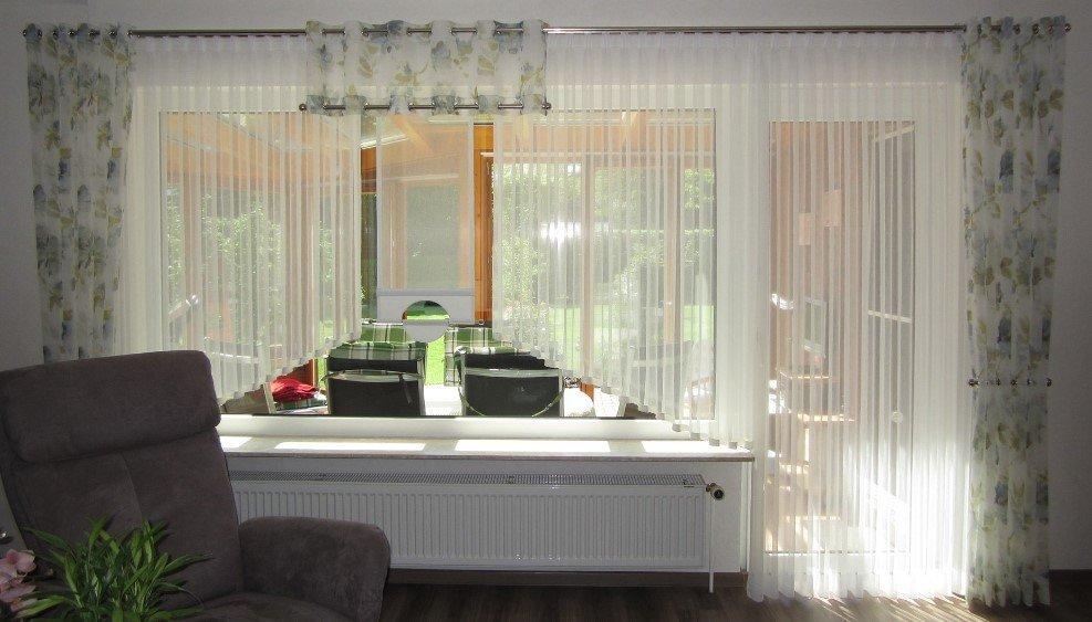Raumgestaltung bunger gardinen sonnenschutz insektenschutz for Raumgestaltung gardinen