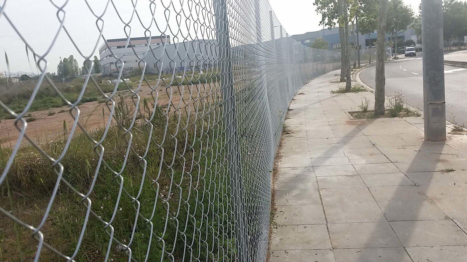 Precio valla trendy valla opaca with precio metro lineal - Valla metalica precio ...