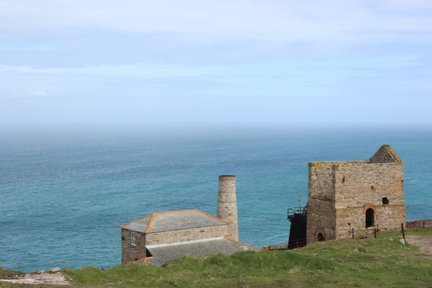 Geevor engine house Cornwall in photo gallery by L A Kent author of Broken Dove