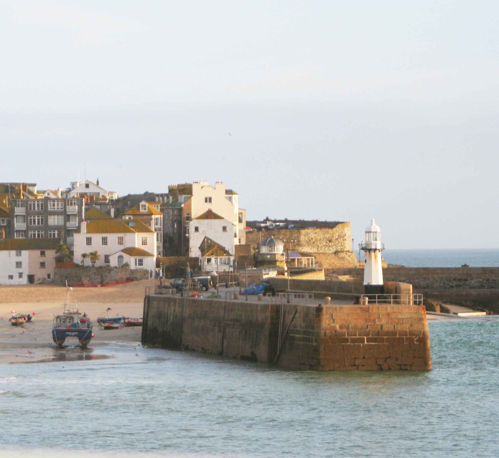 St Ives harbour Cornwall in photo gallery by L A Kent author of Broken Dove