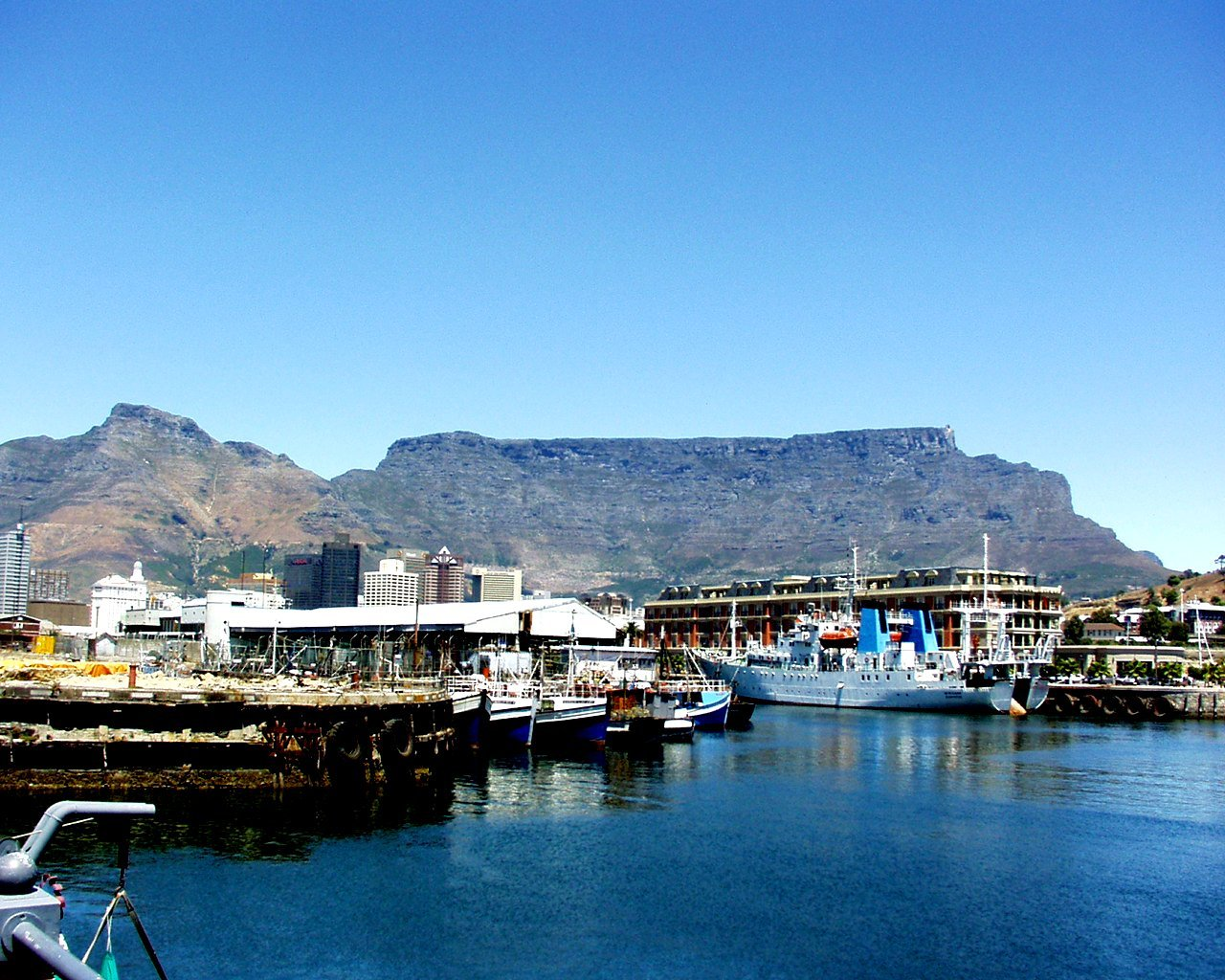 Sam's favourite holiday Cape Town South Africa photo by L A Kent Cornish author of Inspector Treloar Mysteries