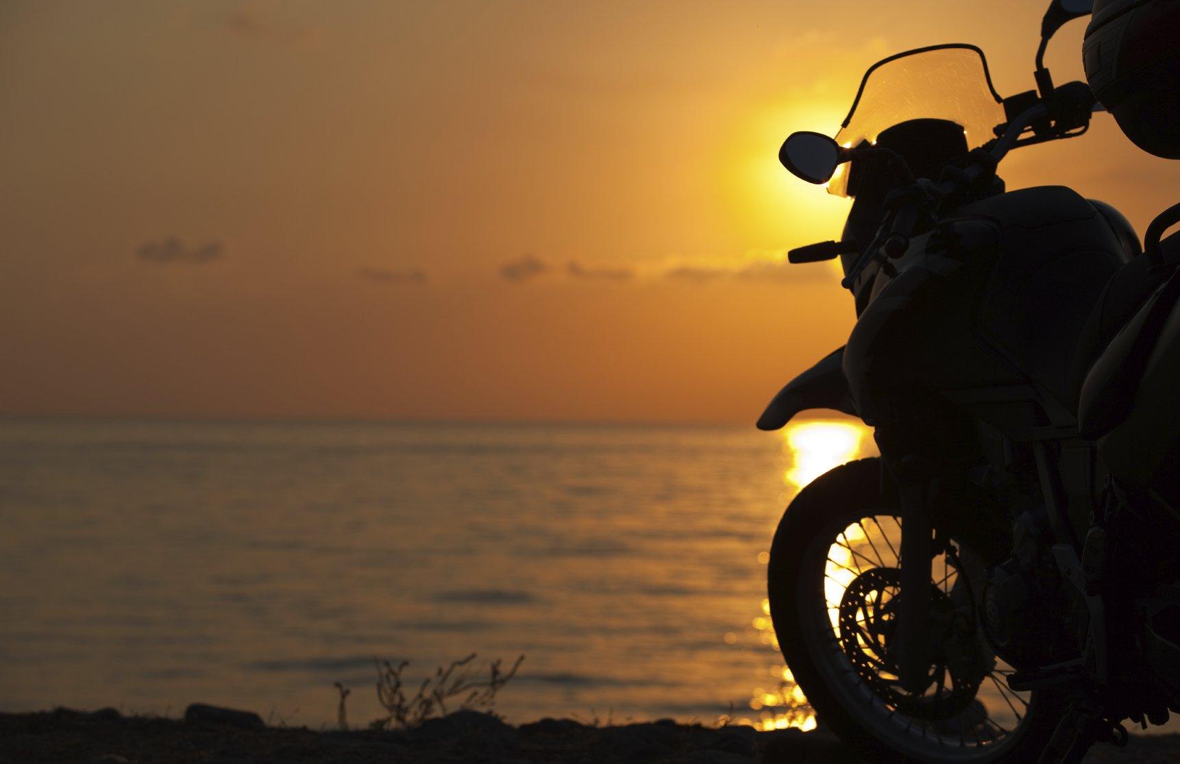 картинки мотоциклистов и закат поэтому население