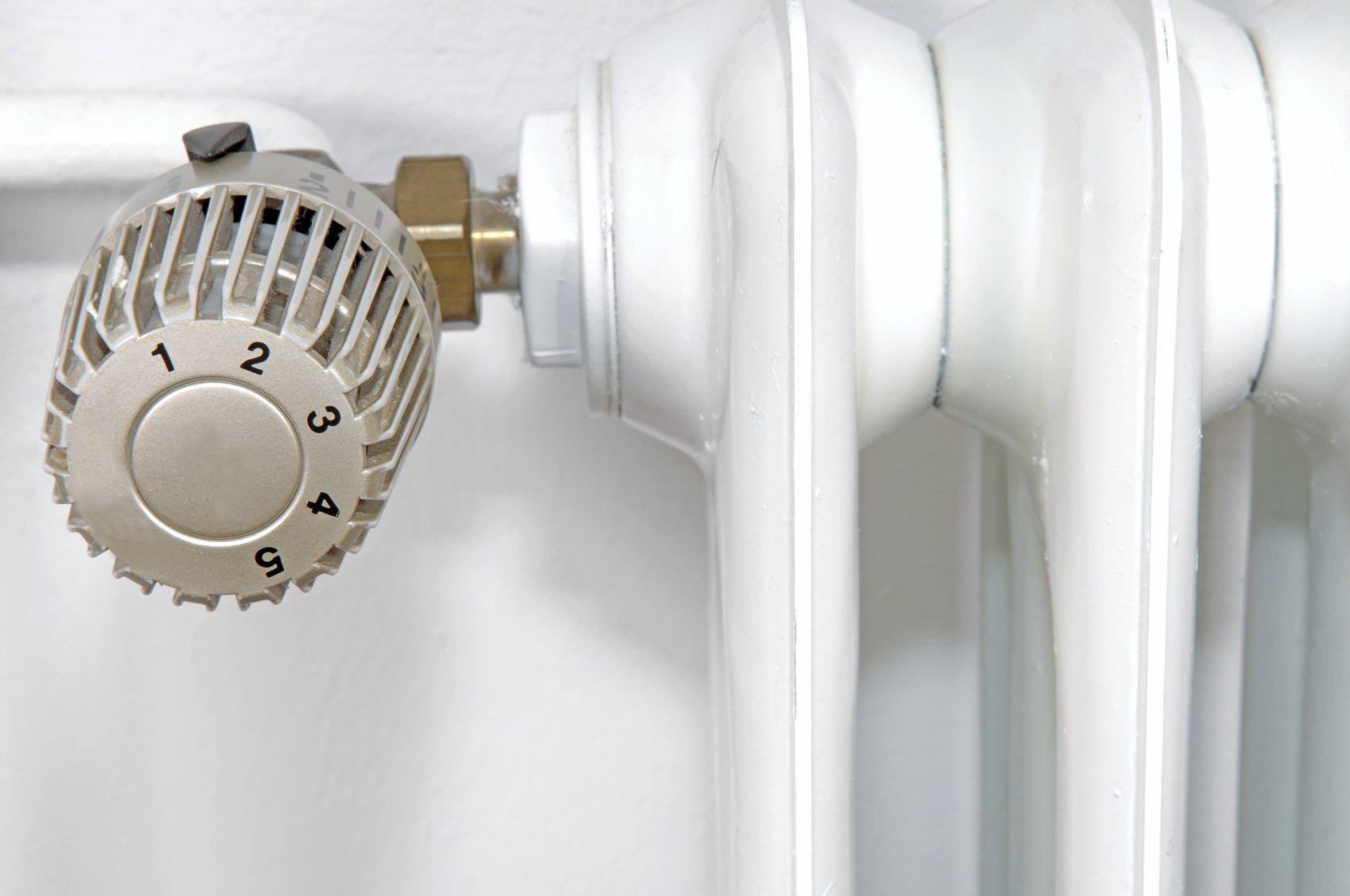 heizk rper wird nur oben warm ursachen und tipps. Black Bedroom Furniture Sets. Home Design Ideas